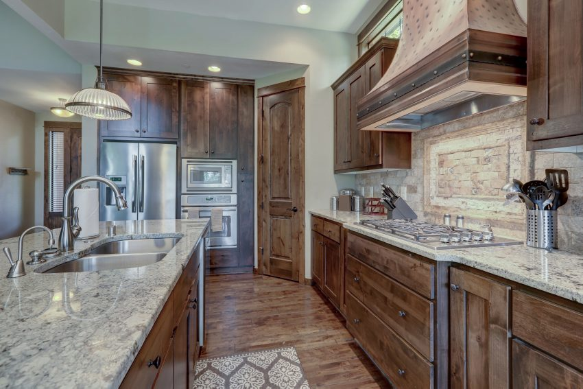 What are the Benefits of Owning Natural Stone Countertops?